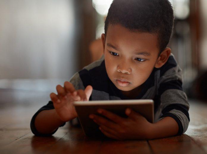 Infância e tecnologia: os perigos do exagero